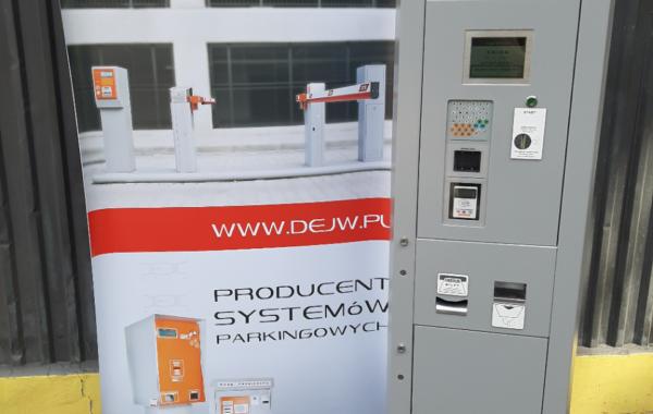 DEJW wyposażył kolejne SPP w parkomaty